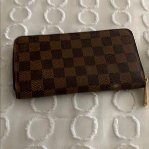 Handbags - Louie Vuitton wallet rarely used